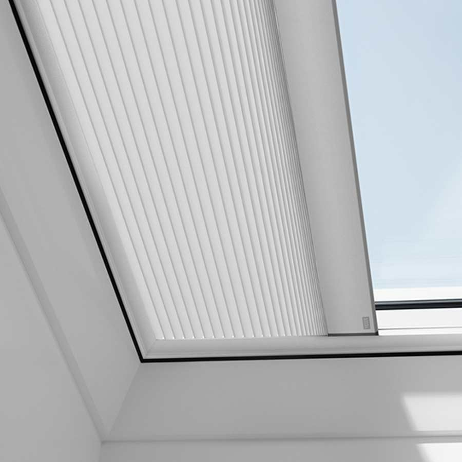 Tenda oscurante plissettata interna ELETTRICA per tetti piani